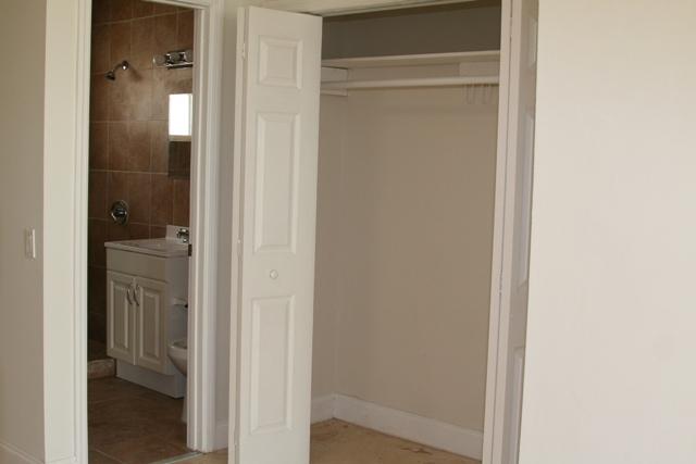 8329-studio-closet
